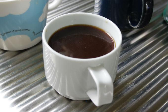 コーヒープレスで淹れたコーヒー