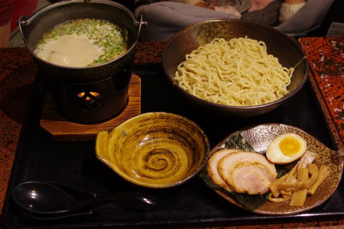 豆乳あつ麺