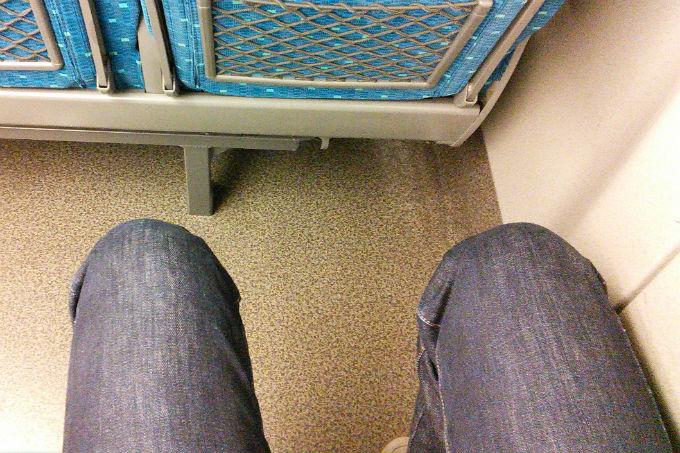 新幹線 のぞみ 座席広さ